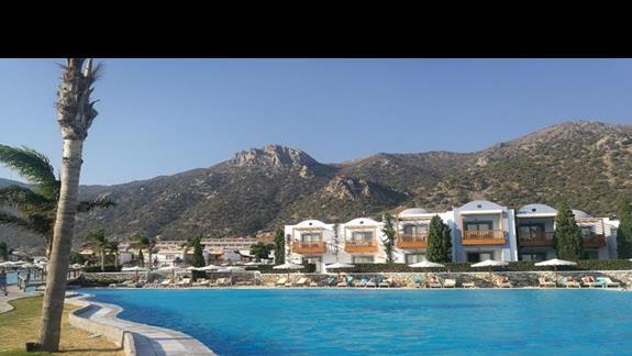 basen w hotelu Mitsis Blue Domes