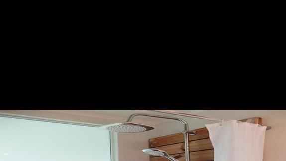 łazienka w pokoju standardowym w hotelu Ocean Blue Seaside Resort