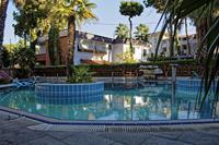 Hotel California Resort - Basen hotelu California Resort