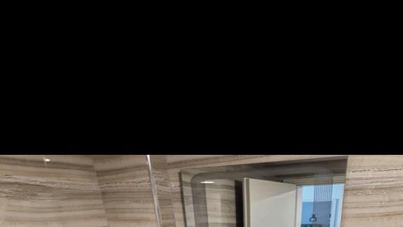 Łazienka w pokoju 2-os hotelu Brilliant