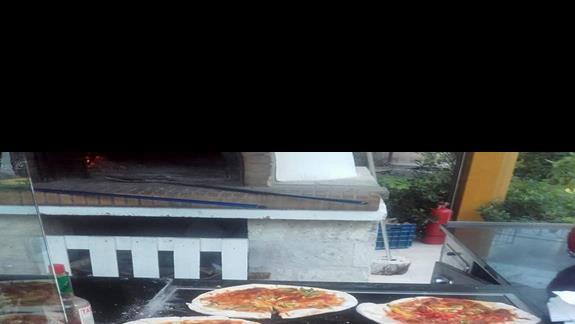 pizza z pieca