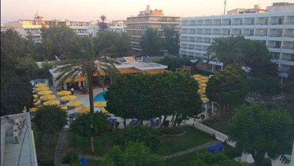 widok z okna - zagospodarowanie hotelu