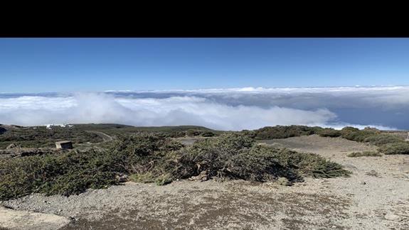 Na wysokosc ponad 2 tys. metrów mozna wjechac autem. Ponad chmury.