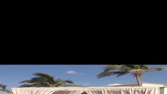 Namiot do masazu na plazy