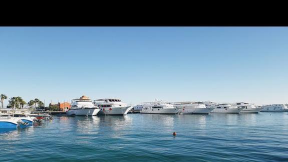 Port w Hurghadzie (grudzien 18)