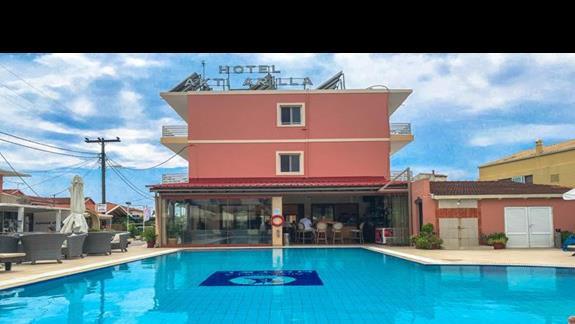 Hotelowy basen