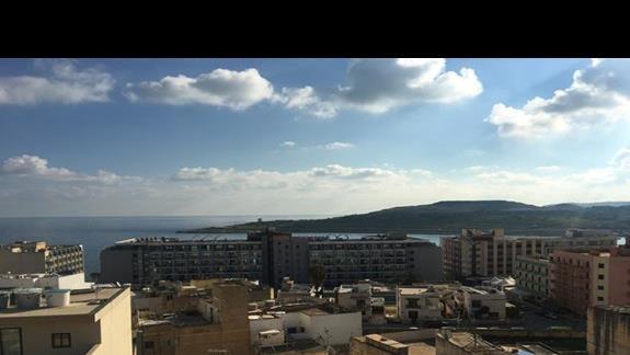 widok z 8 piętra na morze i okolicę