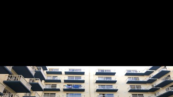 hotelowe patio i pole do minigolfa