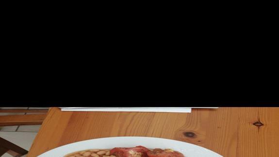Przykladowe sniadanko, polecamy jajka sadzone i grillowane pomidory
