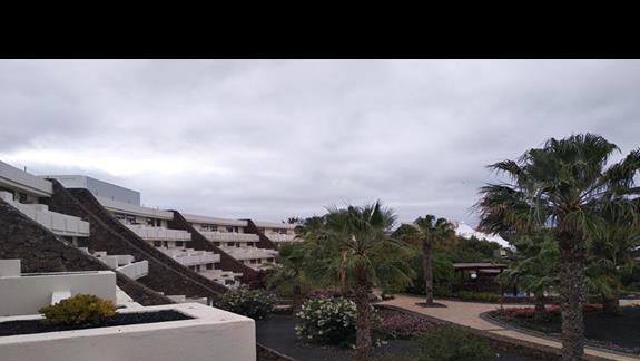 widok z balkonu pokoju
