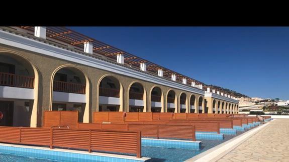 segment hotelowy z prywatnym basenem