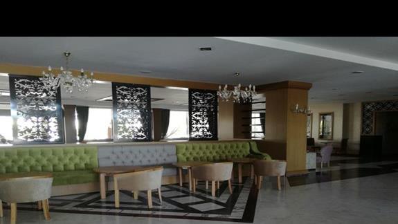 lobby bar Side Corolla
