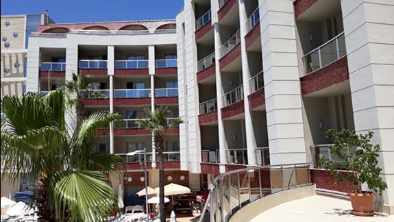 budynek hotelu Grand Pasa