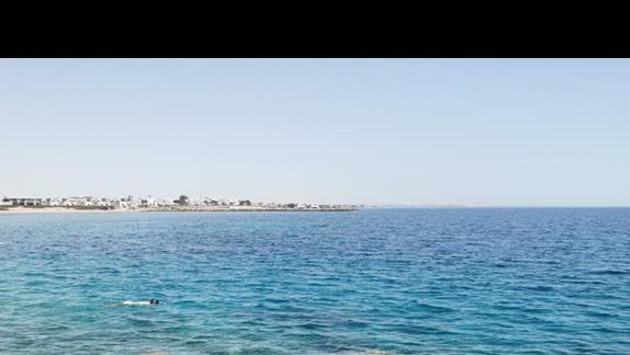 Widok z pomostu na plaży