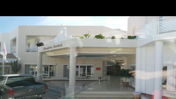 wejście do hotelu Magda