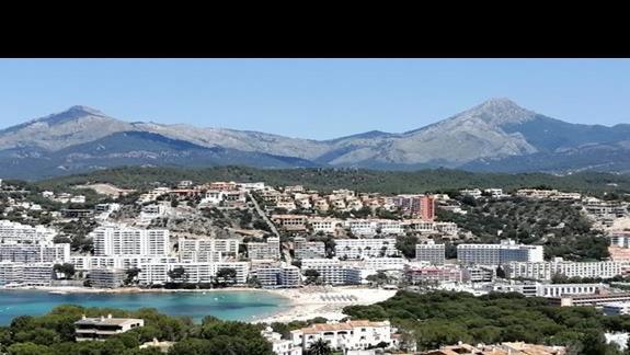 widok na plaze z Puig de sa Morisca
