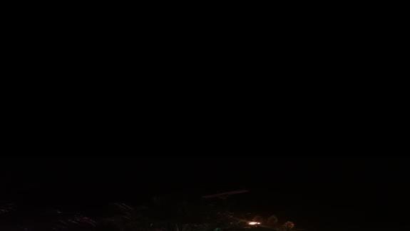 Widok z balkonu na bary naprzeciwko