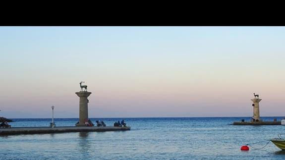 port w miescie Rodos