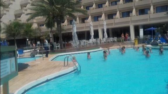 przy basenach