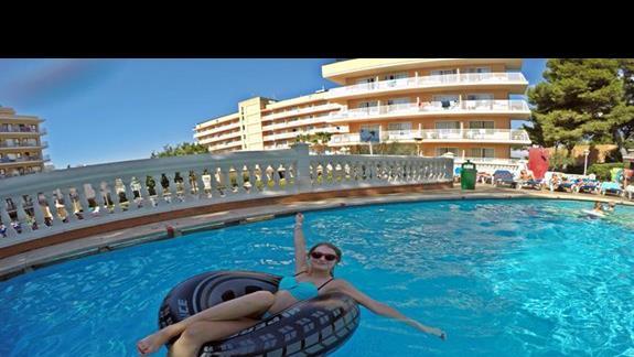 cudowny hotelowy basen