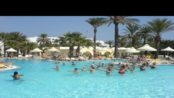 aerobik w najwiekszym basenie