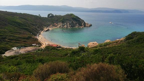 widok na plażę Cape Ag. Eleni