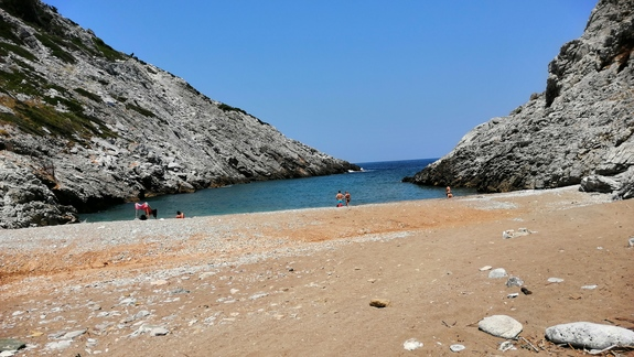 widok na plażę Nikotsara