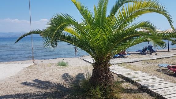 Cicha i spokojna plaża tylko dla gości hotelu