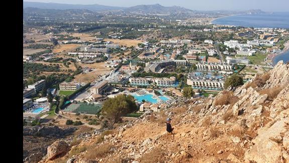 Widok  na okolice z pobliskiego wzgórza