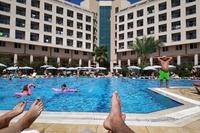 Hotel Miarosa Konakli Garden - basen z widokiem na hotel