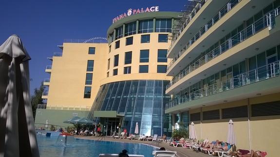 widok z hotelowego basenu
