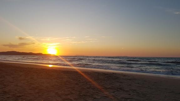 Zachód słońca - plaża hotelowa.