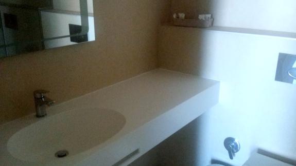 Łazienka w hotelu Eter