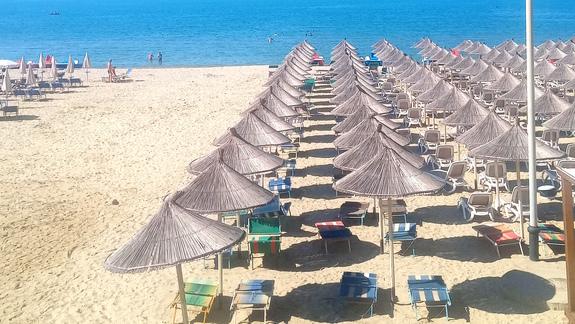 Plaża przy hotelu Diamma Resort