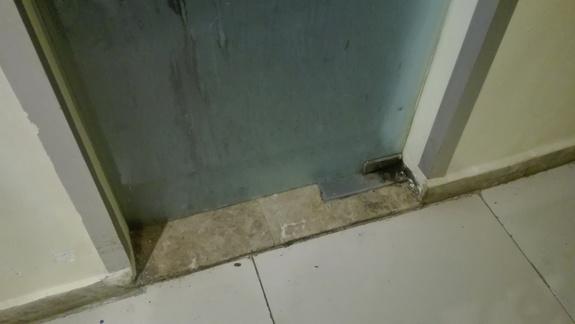 drzwi w jadalni