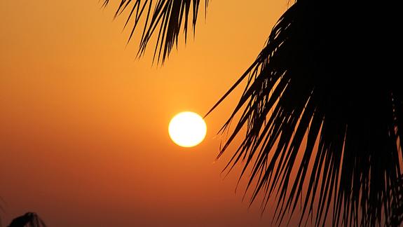 Zachód słońca na plaży w Side Alegria