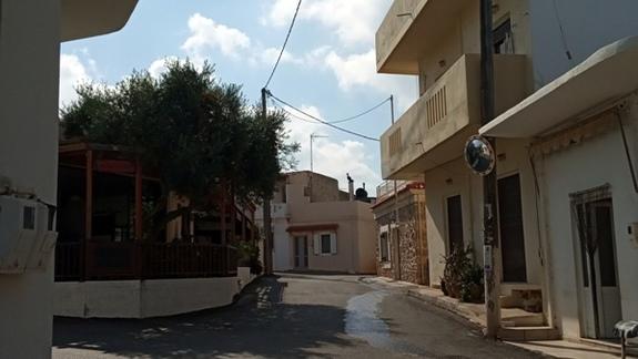pobliskie miasteczko Analipsi