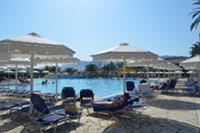 Hotel Roda Beach Resort & SPA - główny basen .