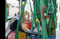Bugibba - plac zabaw obok akwarium