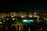 Hotel Three Corners Palmyra - jeden z wielu basenow noca...