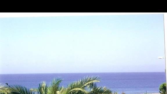 Widok z balkonu apartamentu na morze