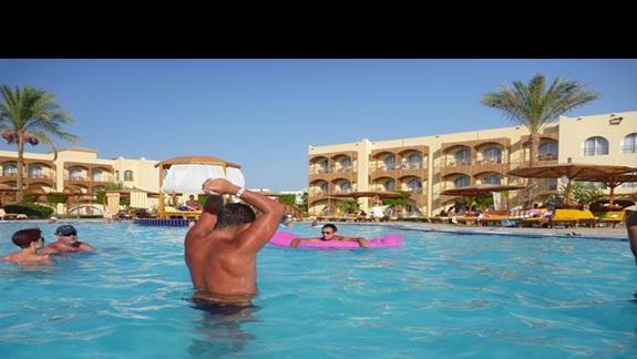 basen dla dzieci i dorosłych