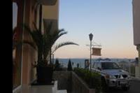 """Hotel Pinkovi - Hotel """"Pinkowi"""" droga na plażę."""