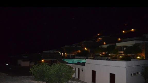 Widok z tarasu nocą