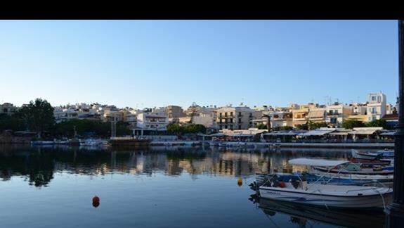 Jezioro bez dna w Agios