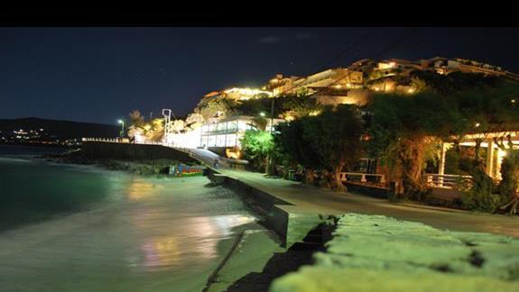 Plaża wieczorkiem.