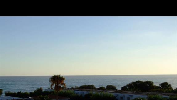 Codziennie usypiał mnie szum morza i budził taki widok...