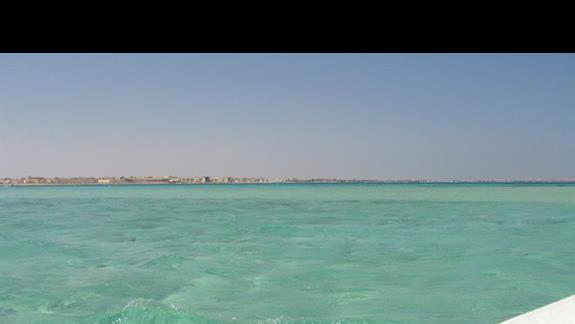 laguna i rafy w pobliżu plaży