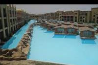Hotel Titanic Beach Spa & Aqua Park - boczny basen i bungalowy