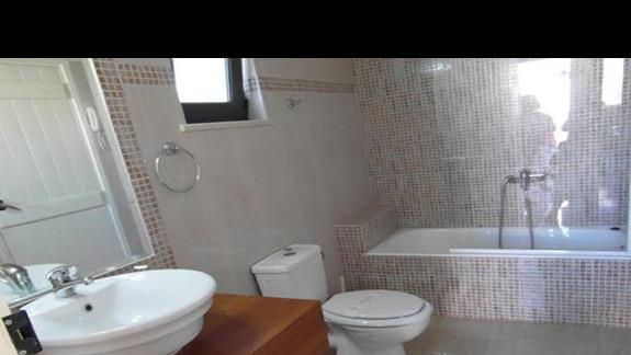 Hotel Geraniotis - łazienka